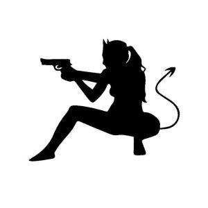 seksi avto nalepka hudička s pištolo črna