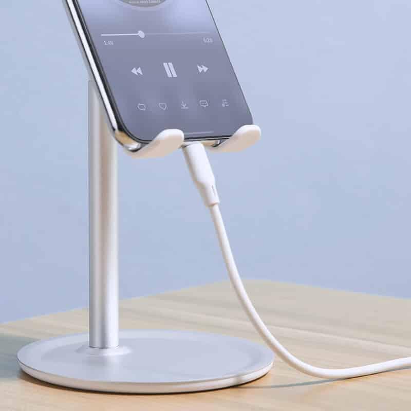 uporaba namiznega stojala za telefon