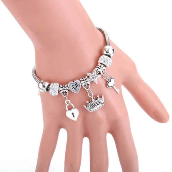 pandora zapestnica na roki