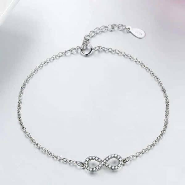 srebrna zapestnica z diamanti neskončno