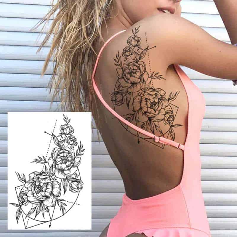začasni tattoo vrtnica na hrbtu
