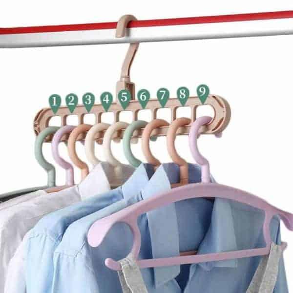 Obešalnik za oblačila privarčuj prostor