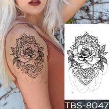 Tattoo nalepka vrtnica v geometrijskem vzorcu