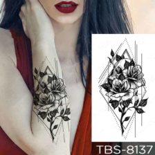 Tattoo vrtnica z geometrijskim likom