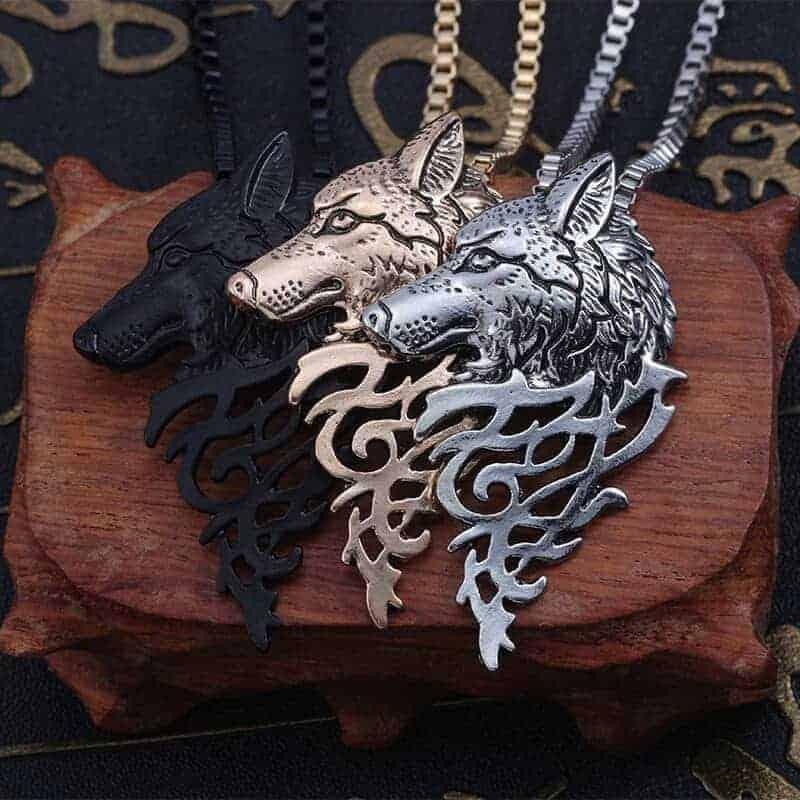moški nakit verižice volk