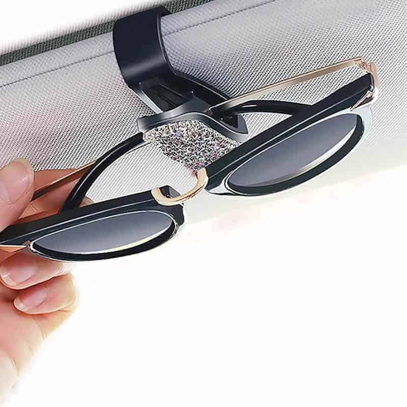 Držalo za očala