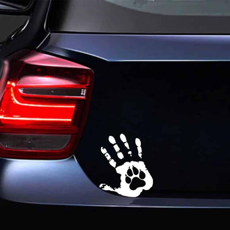 odtisnjena roka nalepka za avto