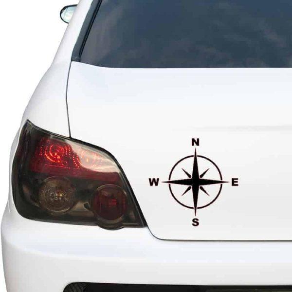 nalepka kompas na avtu