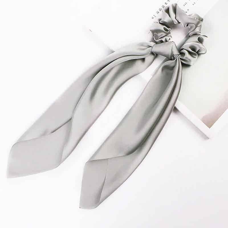 elastika za lase srebrna